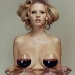 Zwangere Lara Stone poseert topless voor i-D Magazine