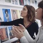 Video: Een kijkje op de redactie van de Britse Vogue met Alexa Chung